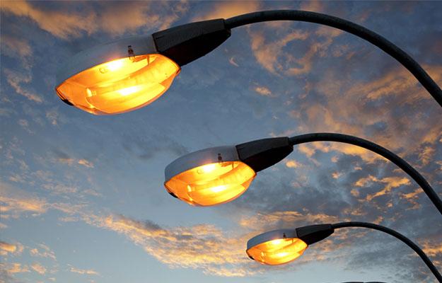 Stray voltage street furniture lamposts
